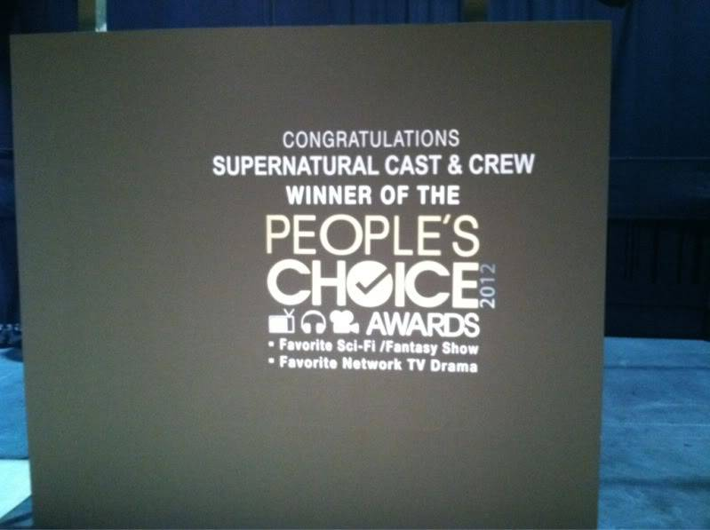 People's Choice Awards 2012 - CARTON PLEIN ! - Page 16 AjZbcKLCMAAlEUijpglarge