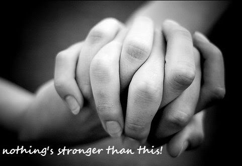 """PICTURE OF THE DAY: """"Nothing's stronger than this!"""" Hands"""