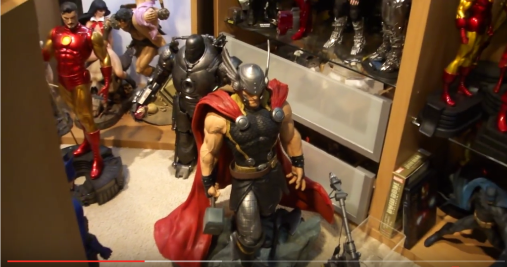 Premium Collectibles : Thor - Comics version  - Page 7 Thor%20modern%20statue%20custom%202