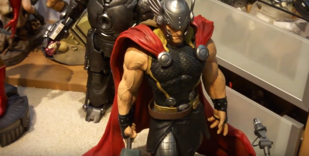 Premium Collectibles : Thor - Comics version  - Page 7 Thor%20modern%20statue%20custom