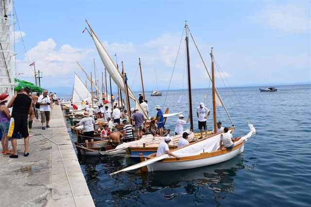 Regata tradicijskih barki-Mošćenička Draga 2014. K_zps2d28619c