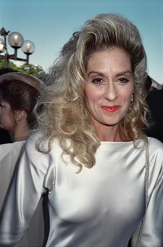 Judith aux Emmy Awards de 1989 2086958526_5f07f0c19a