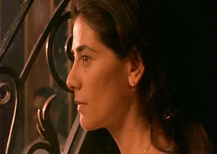 Satin Rouge(2002) Tunisia  الفيلم التونسـي الحرير الأحمـر Snapshot20100114145412