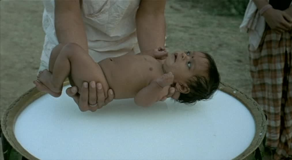 Matrubhoomi (2003) Manish Jha Matrubhoomi02