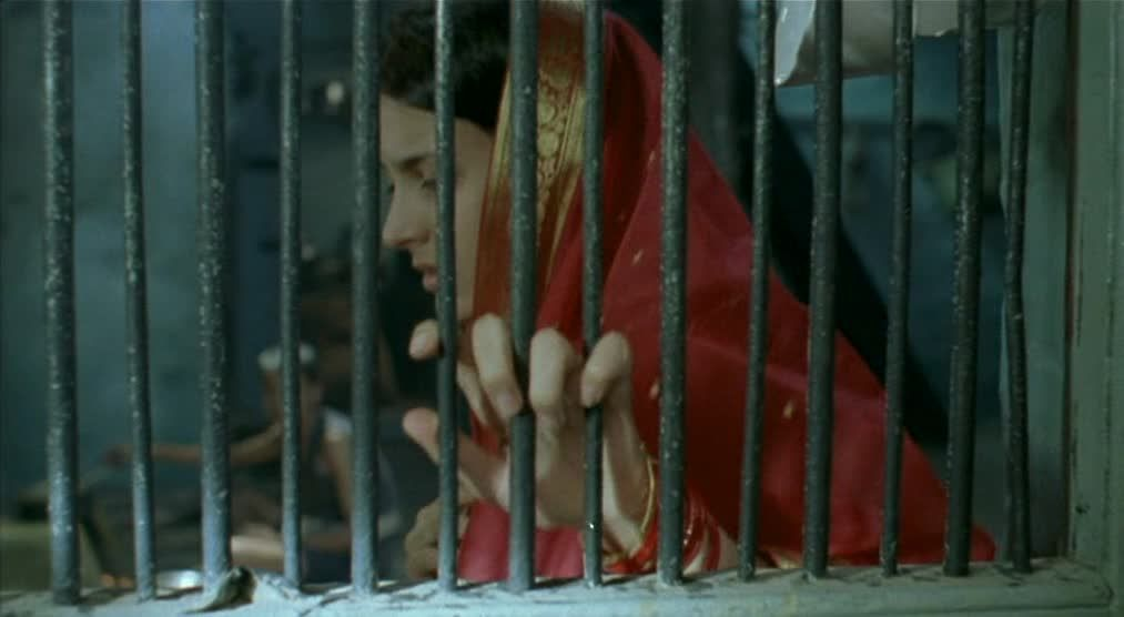 Matrubhoomi (2003) Manish Jha Matrubhoomi07