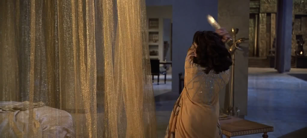 Cleopatra (1963) Elizabeth Taylor Cleopatra15