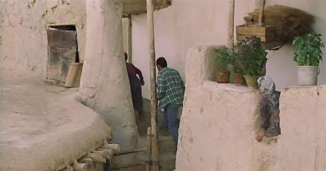 The Wind Will Carry Us (1999) Abbas Kiarostami OVentoNosLevar04