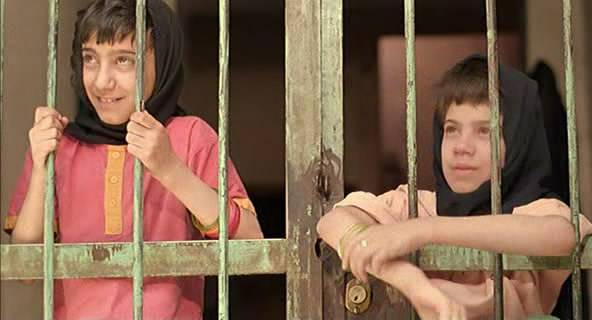 The Apple (1998) Samira Makhmalbaf Sib02