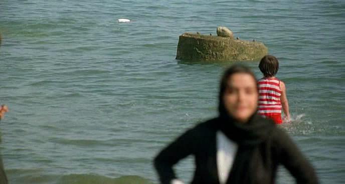 فيلم الدراما والتشويق الإيراني Darbareye Elly (2009) 100%  Elly12