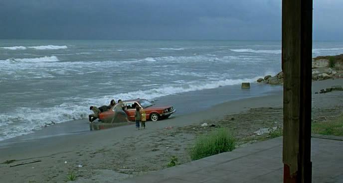 فيلم الدراما والتشويق الإيراني Darbareye Elly (2009) 100%  Elly14