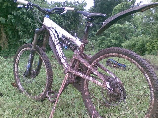 Rainy season DH track Nokia250