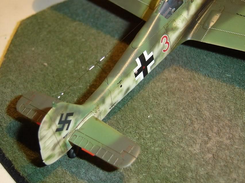 "Focke-Wulf Fw 190 D-9 ""Rot 3"" Papagei Staffel, HobbyBoss 1/72 DSC03690"