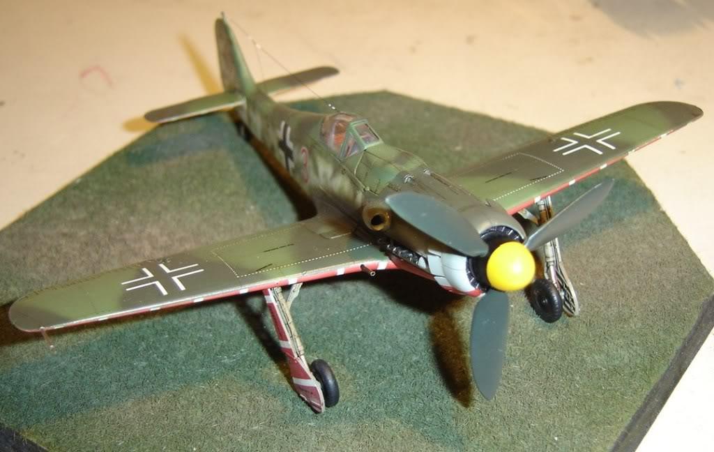"Focke-Wulf Fw 190 D-9 ""Rot 3"" Papagei Staffel, HobbyBoss 1/72 DSC03691"