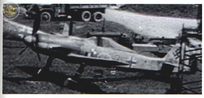 """Focke-Wulf Fw 190 D-9 """"Rot 3"""" Papagei Staffel, HobbyBoss 1/72 Fw190D-9Rot3WaldemarWbkeJV44mayo194"""