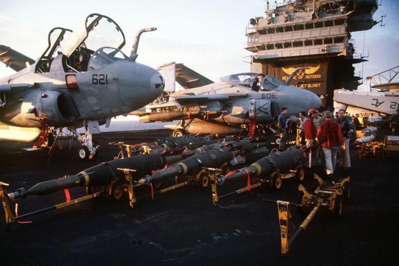 Désarmement du CV67 John F Kennedy en mars 2007 - Page 2 800px-DN-ST-91-04361