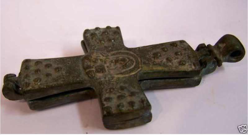 Enkolpio relicario bizantino Mandylion / Crismon - Página 2 Enkolpio_02