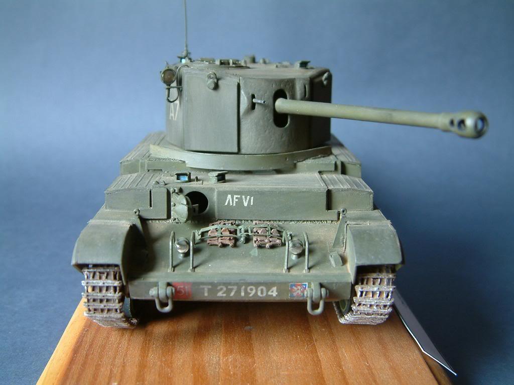 CHALLENGER MK VIII A-30  (kit SKP 1/35) DSCF0048_zpsb18bb7ad
