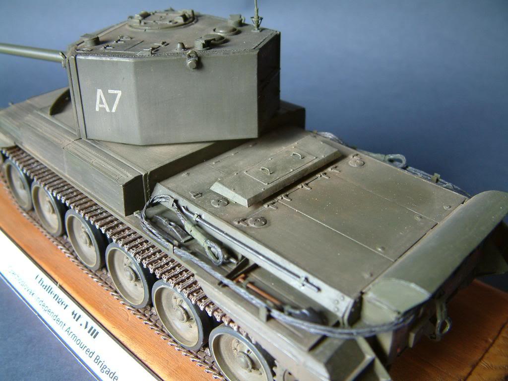 CHALLENGER MK VIII A-30  (kit SKP 1/35) DSCF0052_zpsb1997ebb