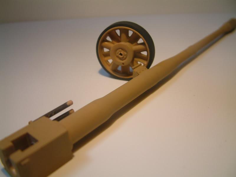 12.8cm Kanone  (Trumpeter 1/35) DSCF0156