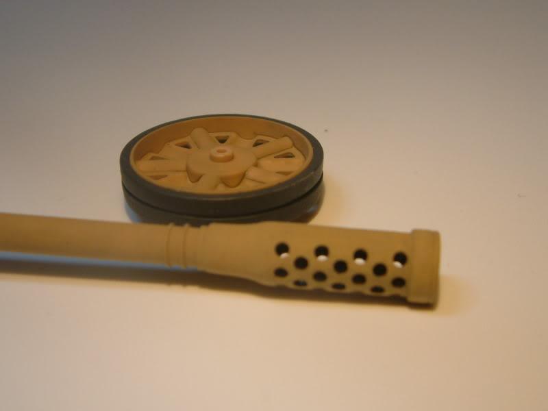 12.8cm Kanone  (Trumpeter 1/35) DSCF0158