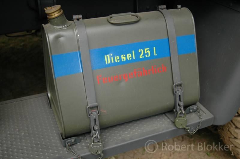 HENSCHEL 33 D1 Kfz.72  kit ICM 1/35 29_zpse51aecfc
