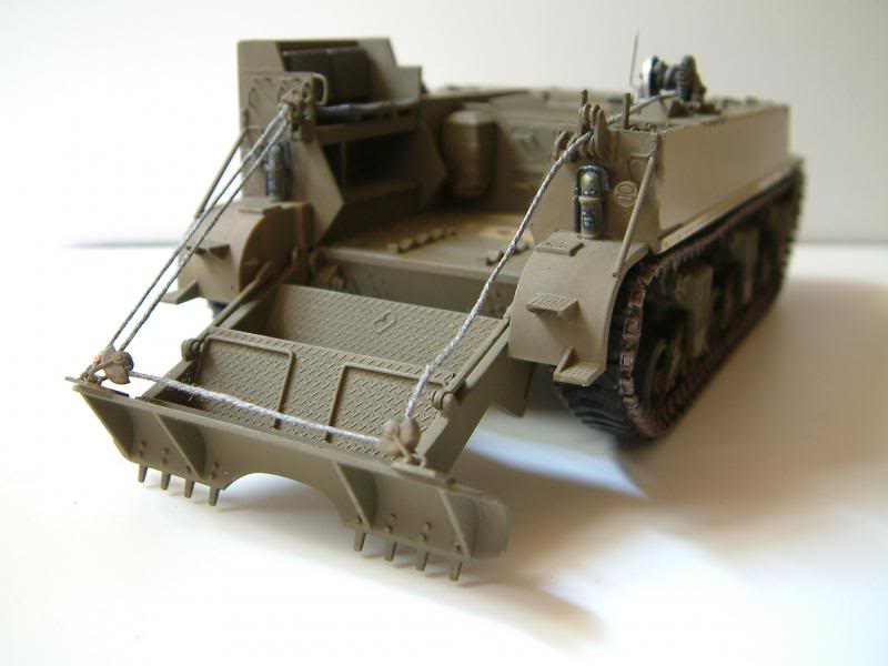 GUN MOTOR CARRIAGE M12 155mm  kit ACADEMY 1/35 - Page 3 DSCF0009_zps7c095ff4