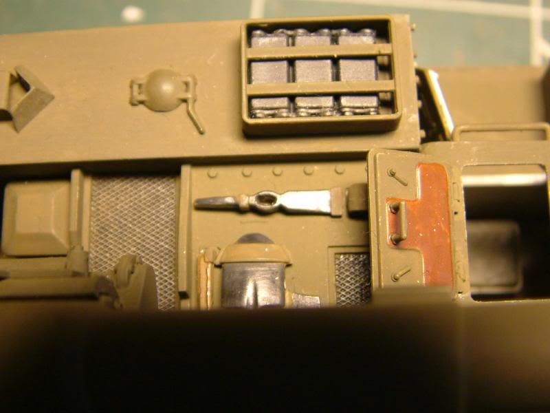 GUN MOTOR CARRIAGE M12 155mm  kit ACADEMY 1/35 - Page 4 DSCF0057_zpse0ed3f6d
