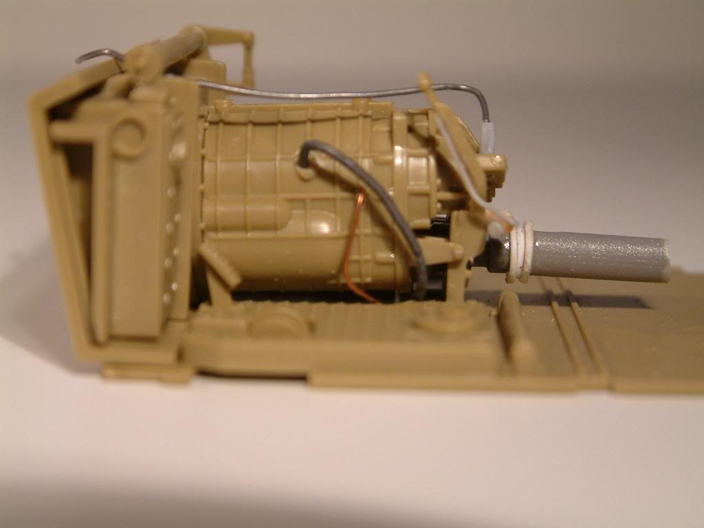 GUN MOTOR CARRIAGE M12 155mm  kit ACADEMY 1/35 DSCF0120