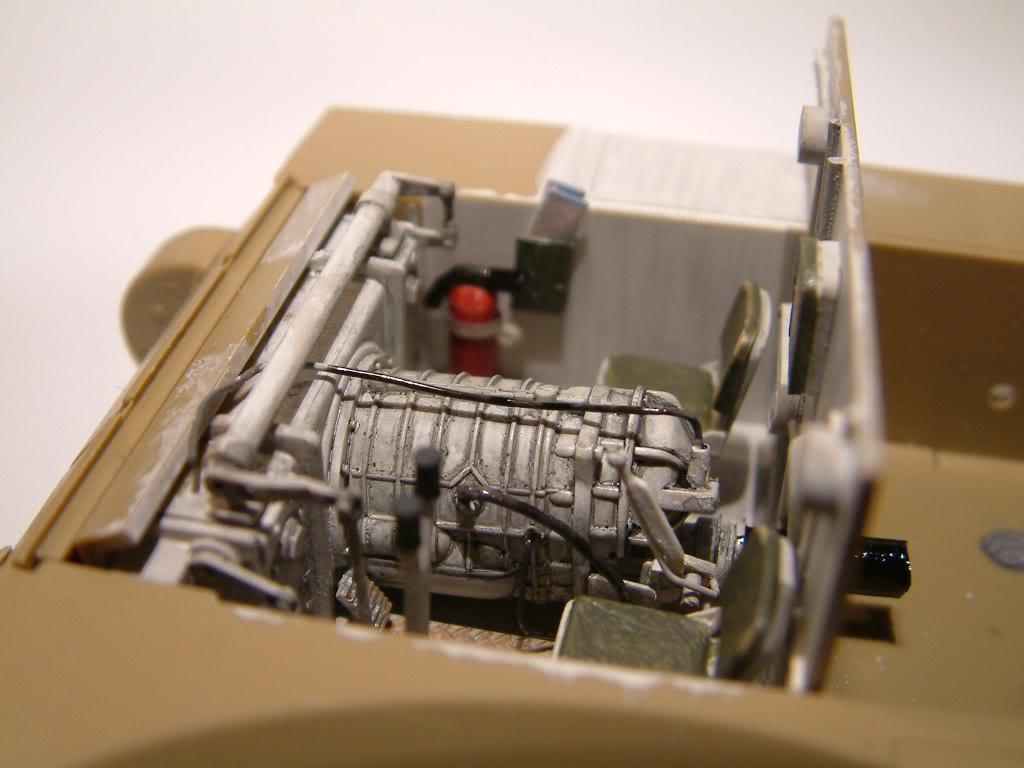 GUN MOTOR CARRIAGE M12 155mm  kit ACADEMY 1/35 DSCF0124