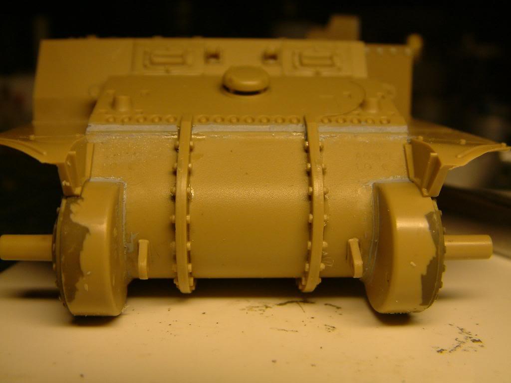 GUN MOTOR CARRIAGE M12 155mm  kit ACADEMY 1/35 - Page 2 DSCF0138