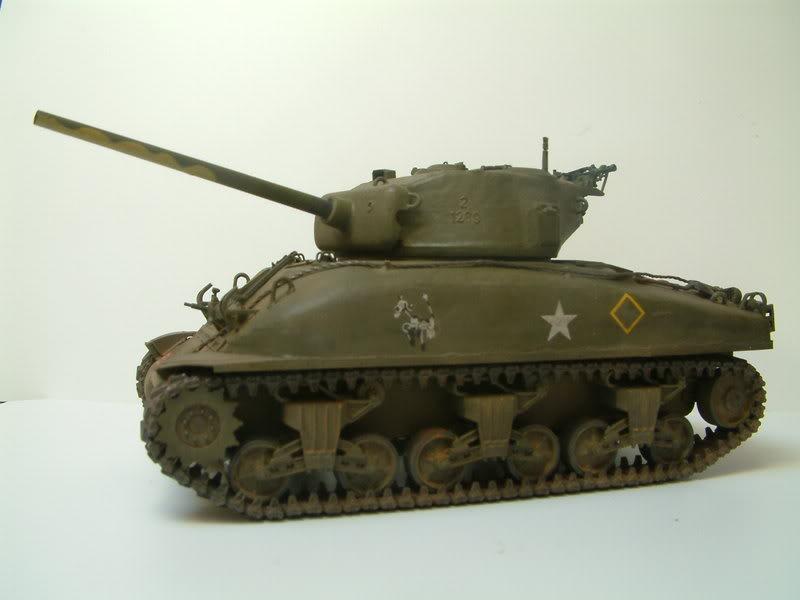 Dragon 1/35 : SHERMAN M4A1(76mm)W Juin07028