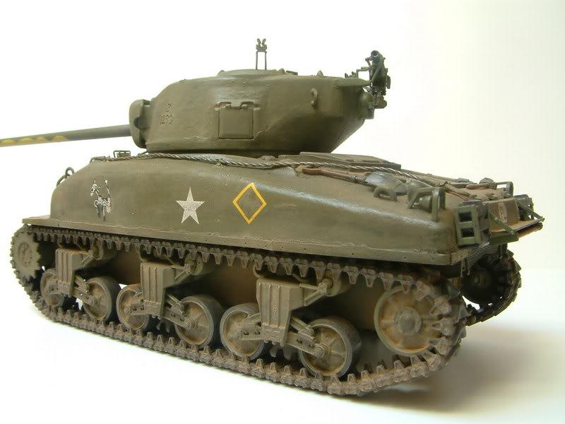 Dragon 1/35 : SHERMAN M4A1(76mm)W Juin07030