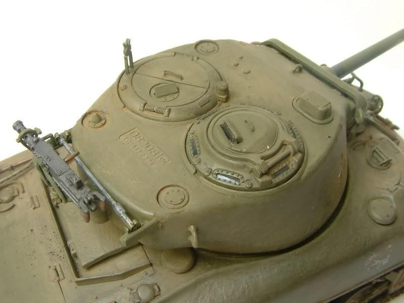 Dragon 1/35 : SHERMAN M4A1(76mm)W Juin07033