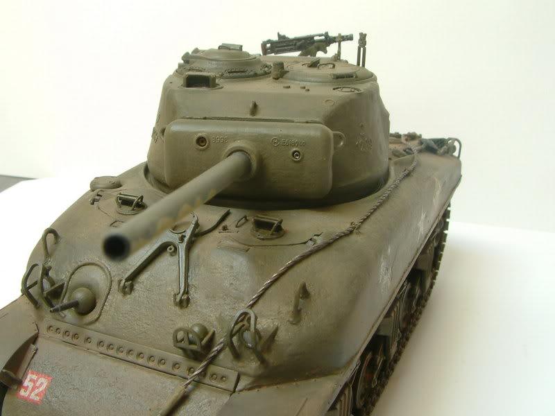 Dragon 1/35 : SHERMAN M4A1(76mm)W Juin07034