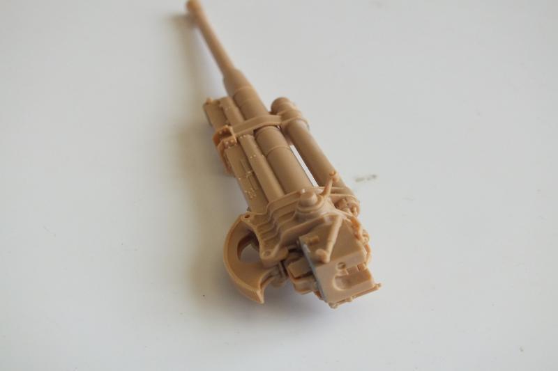 SOVIET 85mm AA (early version) TRUMPETER 1/35 DSCF0036_zpse5mjqfkl