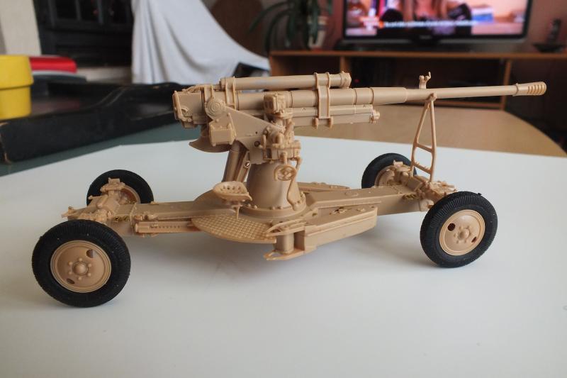 SOVIET 85mm AA (early version) TRUMPETER 1/35 DSCF0047_zps3wihifv1