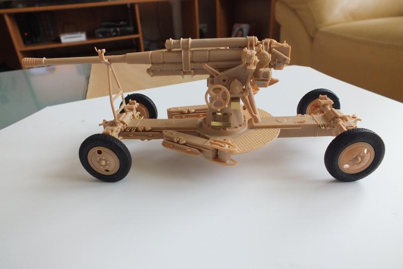 SOVIET 85mm AA (early version) TRUMPETER 1/35 DSCF0051_zpsqbxos9c9