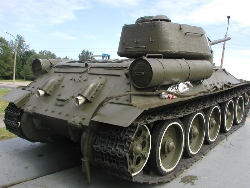 SU-152 boite tamiya 1/35 T34_85_modele1943_lateral_arriere_droit_Ladogarost