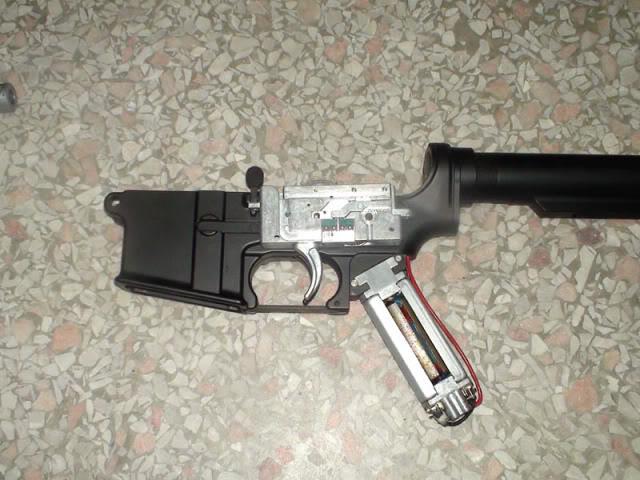 A&K PTW M4 y MP5 clones DSC00664