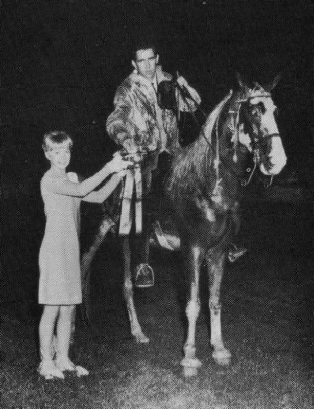 The BEST of Walking Horse Trivia! - Page 23 Whodem2
