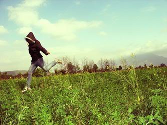 Vì anh là gió....đừng trách gió vì gió vô tình.... 698b