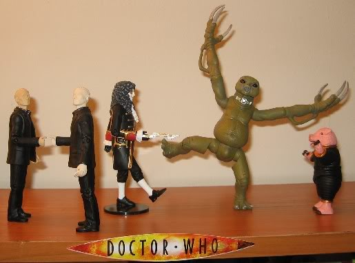 New Figures - Slitheen, Autons, and Clockwork Soldier (Blk) Newfigs2