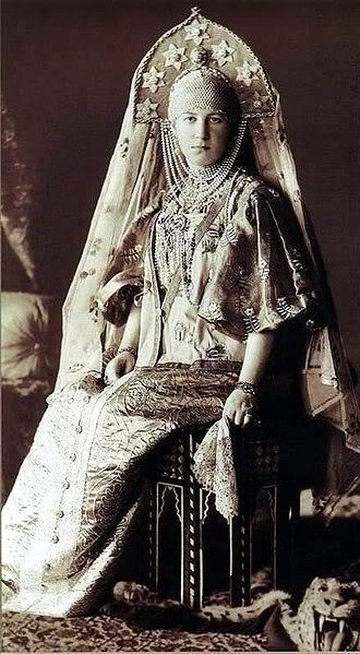 Gran Baile de 1903 330px-1903_ball_-_Maria_Georg