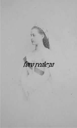 Vestido oficial de los Romanovs - Página 5 BUmWpHB2kKGrHgoH-CIEjlLl0nU1BKOT-3