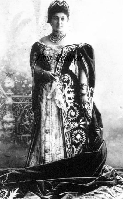 Vestido oficial de los Romanovs - Página 3 Capture-5-1