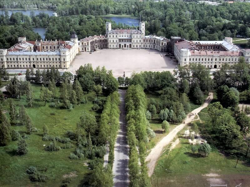 Los palacios de los Romanovs 1pgatchina002800aircoursud109d
