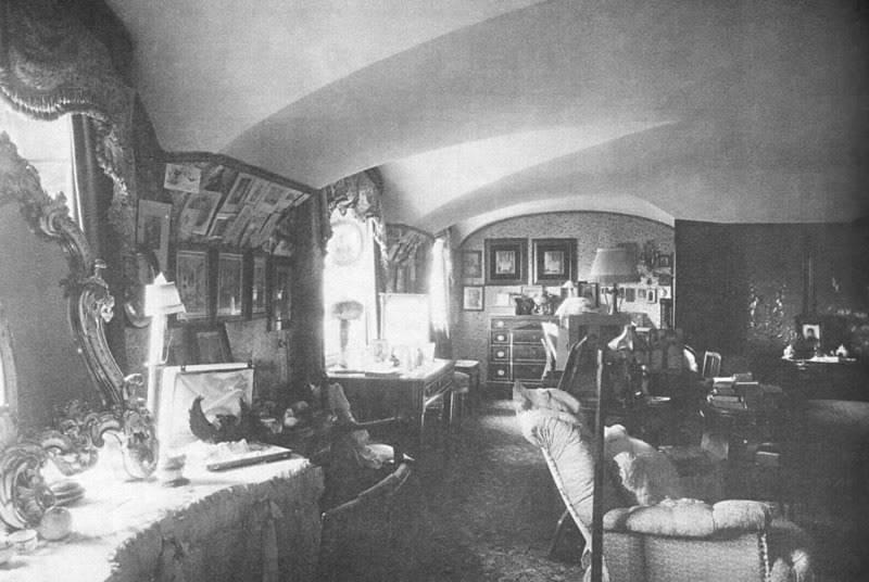 Los palacios de los Romanovs Bedroom_AlexIII_MariaFed