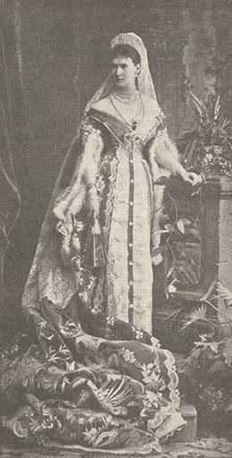 Vestido oficial de los Romanovs 1b