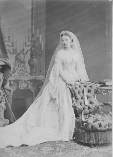 Vestido oficial de los Romanovs 2-1