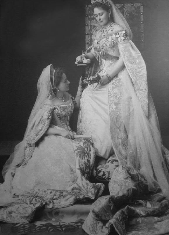 Vestido oficial de los Romanovs 2127796440094285158nZMWki_fs